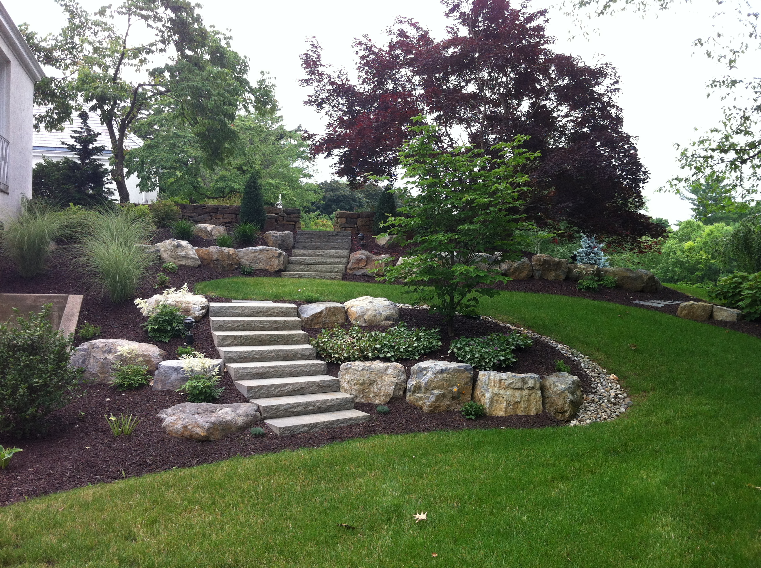 Design build archives plantique landscaping for Professional landscape