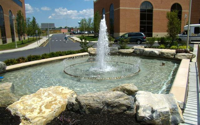 Outdoor Pottery, Fountains & Planters