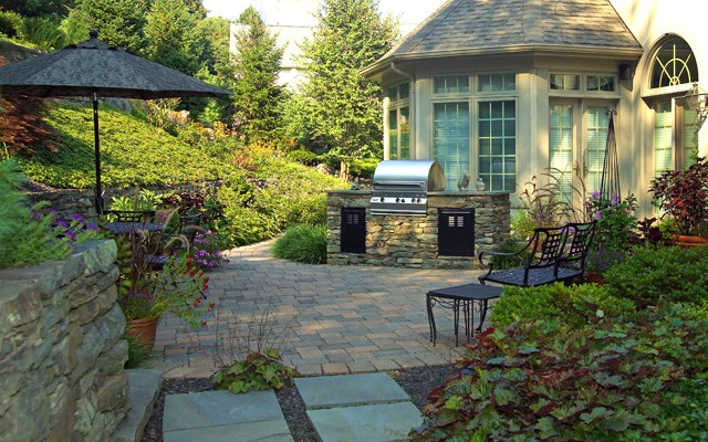 Walls, Steps, Columns, Planters & Outdoor Kitchens